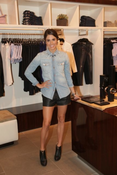 Nikki-Reed-wearing-7-For-all-Mankind